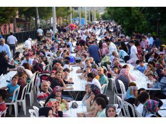 Osmaniye'de Mahalle İftarı