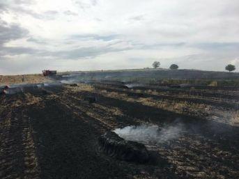 Tarlada Çıkan Yangın Çiftçinin 30 Dönüm Buğdayını Yaktı