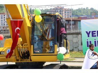 Rize Belediyesinden Makine Parkı'na İki Yeni Araç Daha
