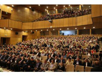 Rize'de Okuma Yazma Öğrenen Bin 600 Kişi Düzenlenen Törenle Belgelerini Aldı