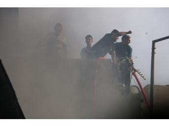İş Merkezinde Çıkan Yangın Kontrol Altına Alındı