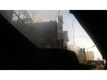 Şanlıurfa'da Pasajda Yangın