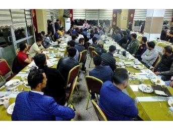 Başkan Türkmenoğlu, Gençlerle Sahur Yaptı