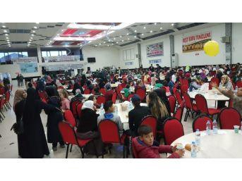 Bitlis'te Yetim Ailelere Yönelik İftar Yemeği