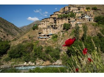 Bitlis Kültürünü Fotoğraflarıyla Yaşatıyor