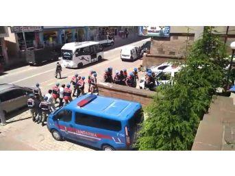 Bitlis Ve Muş'taki Uyuşturucu Operasyonunda 8 Kişi Tutuklandı