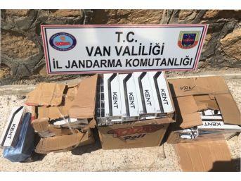 Van'da Uyuşturucu Ve Kaçak Sigara Ele Geçirildi
