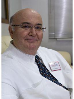 Prof. Dr. Özcan'dan Göğüs Estetiği İle İlgili Uyarılar
