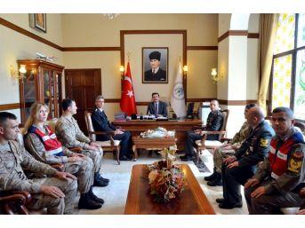Erzincan İl Jandarma Komutanı Aksoylu'dan Vali Aslantaş'a Ziyaret