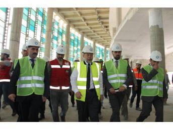 Başbakan Yardımcısı Akdağ, Erzurum Şehir Hastanesi İnşaatında İncelemelerde Bulundu