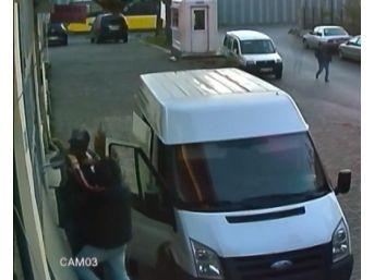 (özel) Bayrampaşa'da Güpegündüz Hırsızlık Kamerada
