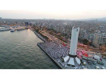 Karşıyaka'da 7 Bin Kişilik İftar