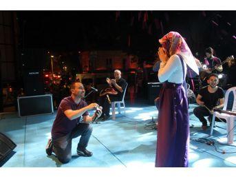Afrin'de İlk Kurşun, Sahnede İlk Sürpriz