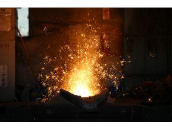 Bin 600 Derecelik Çalışma Şartlarına İşçilerden Ramazan Ayarı