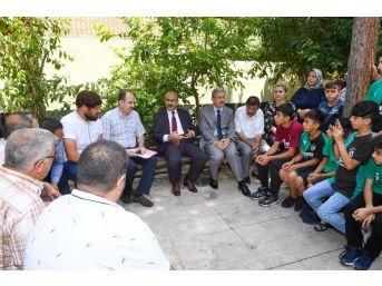 Vali Mahmut Demirtaş, Sporcu Çocuklar Ve Aileleriyle Bir Araya Geldi