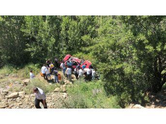 Çorum'da İki Ayrı Trafik Kazası: 1 Ölü, 10 Yaralı