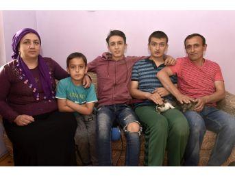 Evlerini Ve Gönüllerini Pamuk Ve Şahin'e Açtılar
