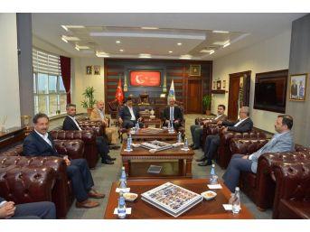 Rektör Karakaya, Cumhurbaşkanı Danışmanları Ve Bakanlık Bürokratları İle Biraraya Geldi