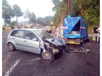 Otomobil İle Patpat Çarpıştı: 9 Yaralı