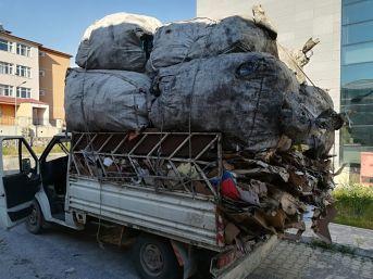 Erciş'te Hurda Yüklü Kamyonette 25 Bin 350 Kaçak Sigara Ele Geçirildi