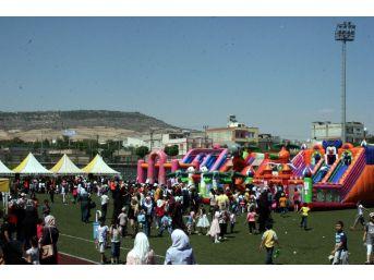 Suriyeli Çocuklar Uluslararası Mülteci Günü'nde Gönüllerince Eğlendi