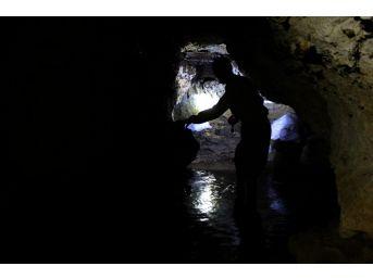 (özel) Köylülerin Keşfettiği Mağara, Buzdolabı Olarak Kullanılıyor