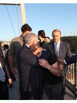 Köprüdeki İntihar Teşebbüsünü Başbakan Yıldırım Önledi