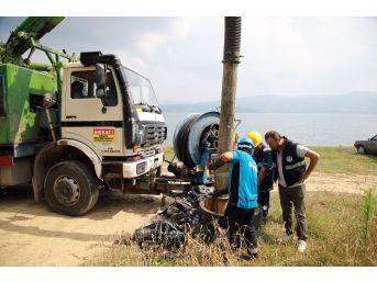 Göle Atık Suların Ulaşmasını Engelleyen Kolektörden 40 Torba Çöp Çıkarıldı