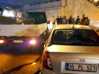 Edremit'teki Kazalarda 2 Kişi Yaralandı