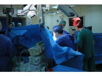 Doğu Anadolu'da İlk: Endoskopik Damar Çıkarma Yöntemi Yapıldı