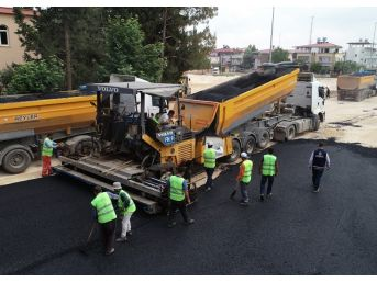 Gaziantep'in İlçelerinde Yol Çalışmaları Devam Ediyor
