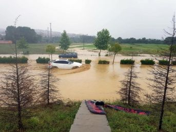 Sakarya'da Sağanak Yağış Su Baskınlarına Neden Oldu