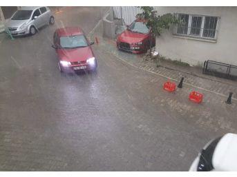 Tekirdağ'da Şiddetli Sağanak Yağış Hayatı Durma Noktasına Getirdi