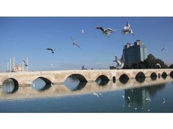 Adana'nın Tarihi Mekanları Büyülüyor