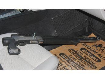 Pazarda Tezgah Yeri Kavgasında Silahlar Çekildi