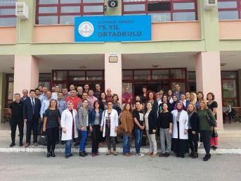Edremit'te 75. Yıl Ortaokulu'dan 2 Öğrenci Bursluluk Sınavında Türkiye Birincisi Oldu