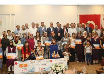 Elazığ'da Girişimcilik Kursu Alan Kadınlara Sertifika Verildi