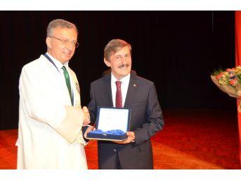 Ebyü'nün Yeni Rektörü Prof.dr. Levent Görevi Devraldı