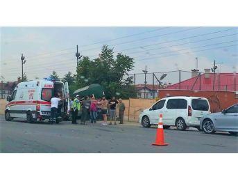 Eskişehir'de Trafik Kazası; 2 Yaralı