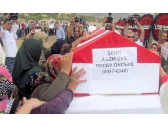Giresun'da Şehidi Memleketi Araban'da Gözyaşlarıyla Defnedildi