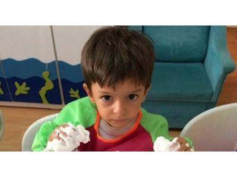 İzmir'de, 15 Ağustos 2017 Tarihinde 3 Yaşındaki Alperen Sakin'in Okul