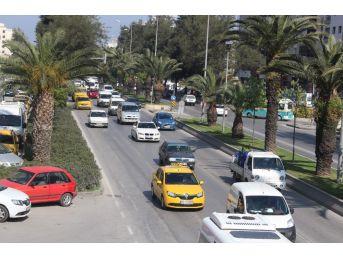 İzmir'de 'yerli Uber' Sorununun Önüne Geçildi