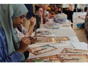 Uluslararası Öğrencilerine El Sanatları Eğitimi