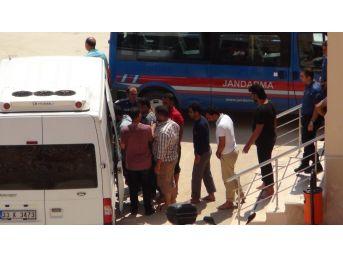 Denizde Kurtarılan Göçmenler Mersin İl Göç İdaresi Müdürlüğüne Gönderildi