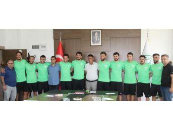 Sivas Belediyespor 11 Futbolcuyla Sözleşme İmzaladı