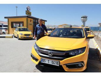 Van'da Taksi Durakları Yenileniyor