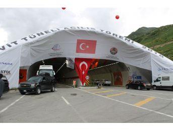 Ovit Tüneli Asfalt Çalışmaları İçin Tek Yönlü Olarak Ulaşıma Kapatıldı