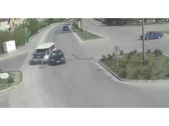 Trafik Kazaları, Mobese Kameralarına Anbean Yansıdı