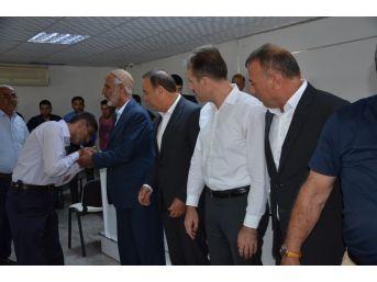 Belediye Başkanı Araya Girdi Husumetli Aileleri Barıştırdı