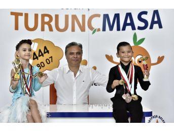 Başkan Uysal, Dansın Minik Şampiyonlarını Ağırladı